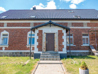 Piękny, obszerny dom z 4 mieszkaniami, Bergholz obok Löcknitz